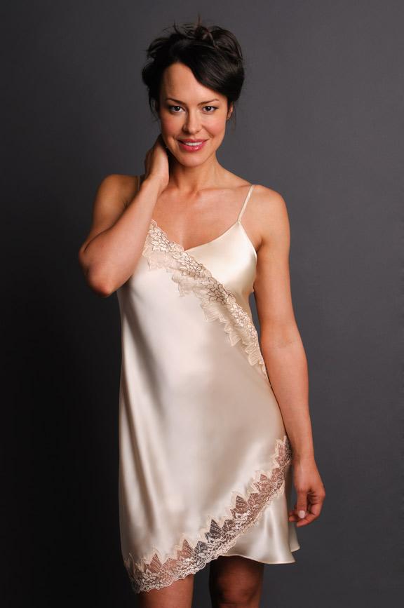 Tempting Silk Nightgown Cream