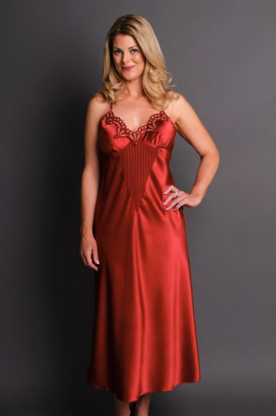 Allusion Long Nightgown Front Burgundy