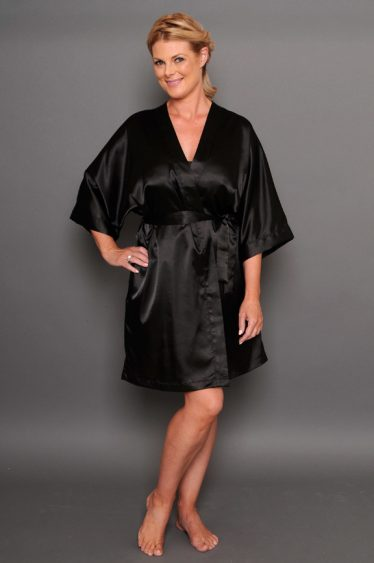 Bella satin robe black