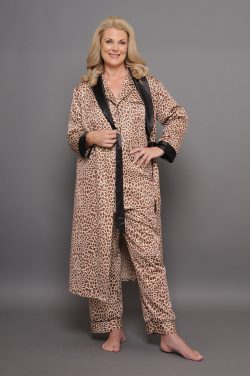 Our animal prints brushed back satin sleepwear: light, warm, fabric breathes, silky feel
